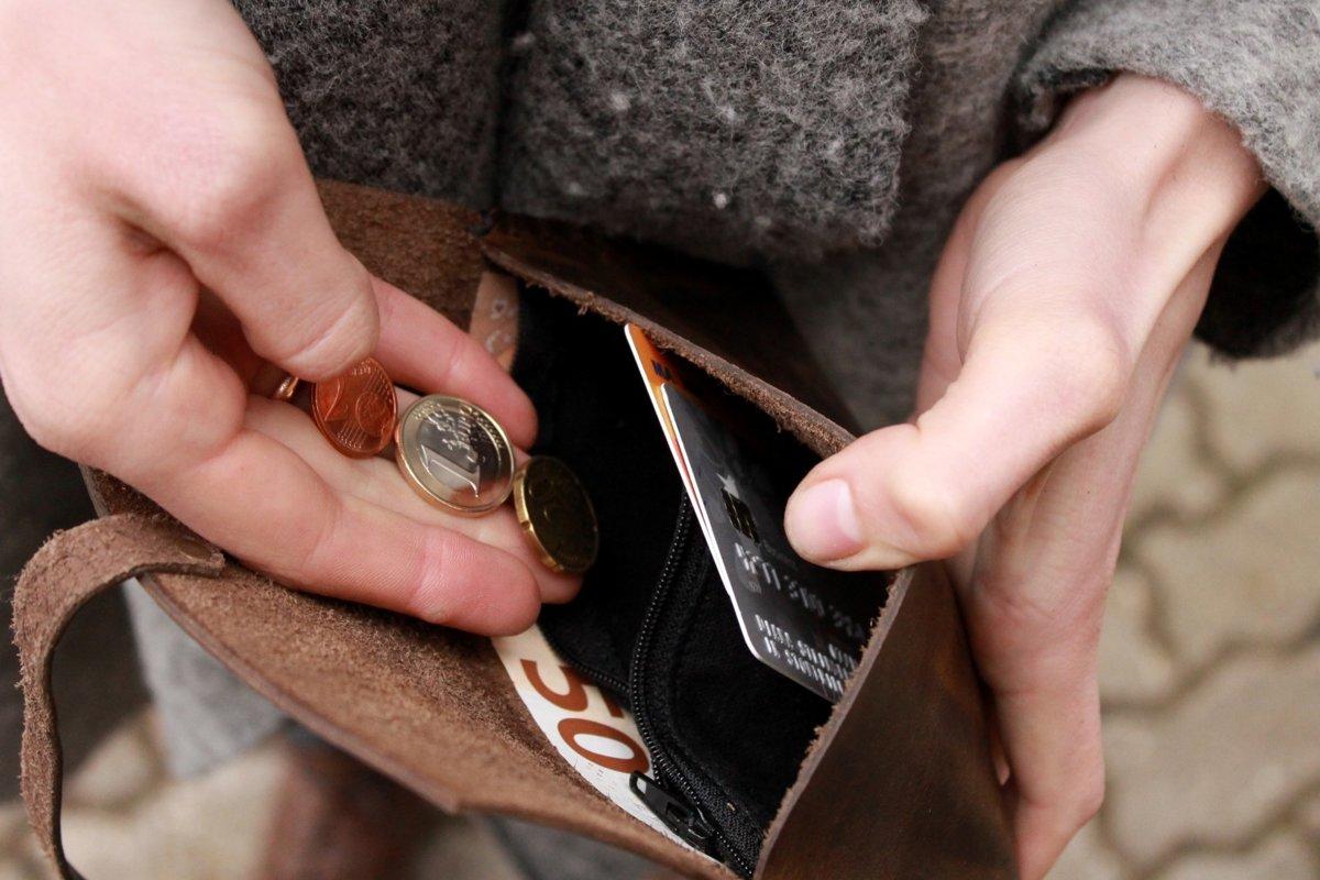 Ādas naudas maks ar auduma kabatu