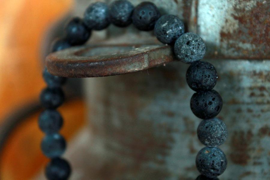 Lavas akmens aproce Melns+Pelēks