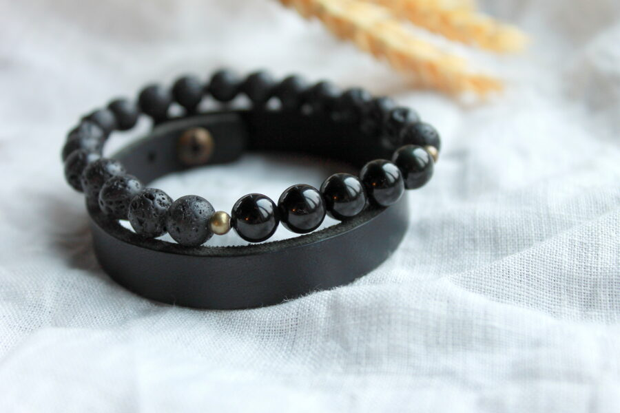Aproču komplekts: Obsidiāna un lavas akmens ar ādas aproci. 8mm